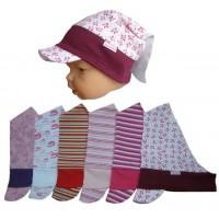 Dětský šáteček s kšiltem